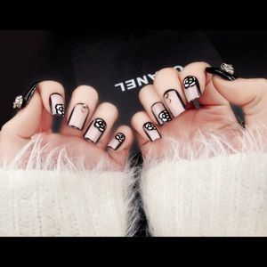 Other - Gardenia Chanel Style Artificial Nails